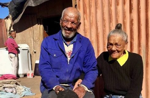 Couple to receive a house after 50 years in a shack