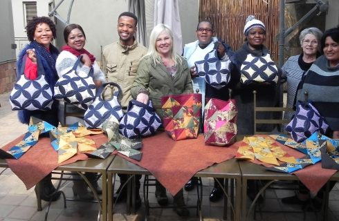 Clover Mamas reunite for a quilting course