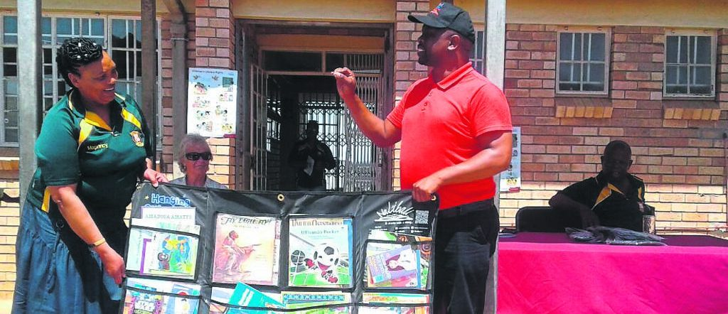 School principal inspires learners to be bookwise